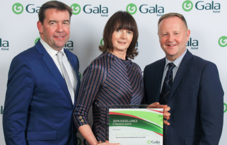 Peter Clifford with Bridie Cronin from Gala Oak Park and Colin McTaggart from Gala Retail