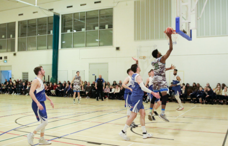 Keith Jumper lays up a score for Warriors